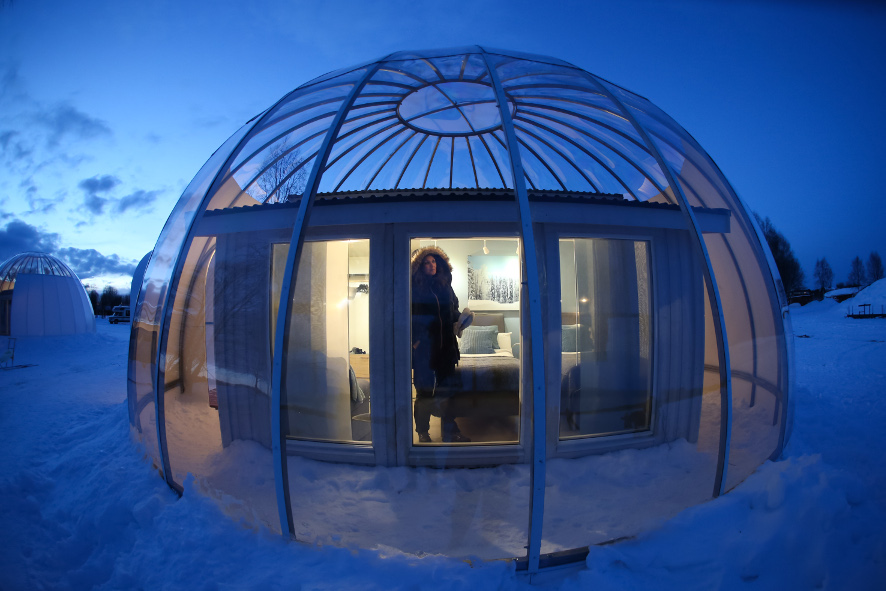 sleep-in-igloo